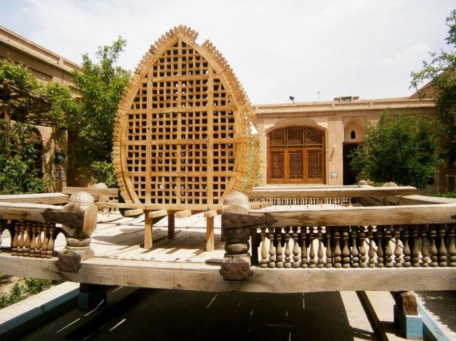 artistichna-reprezentaciq-na-kovchega-na-imam-Hossein