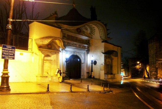 Velikata-porta-obsyjdane-sys-sultana-na-pytuwaneto