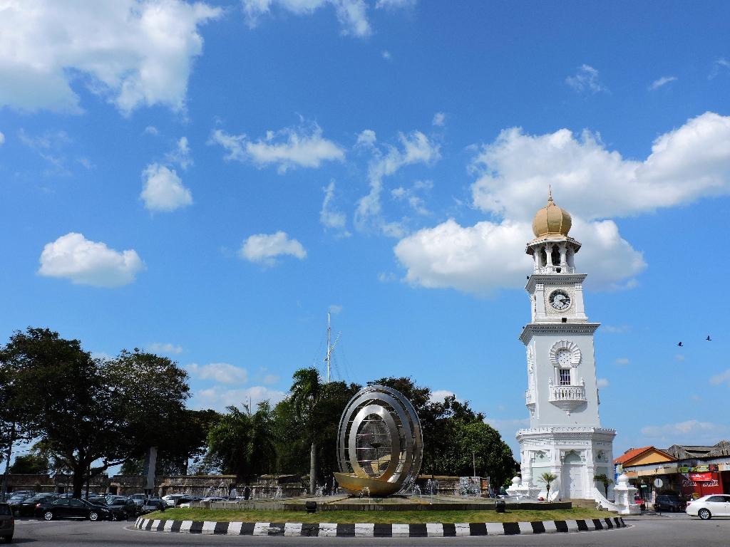viktoria clock tower