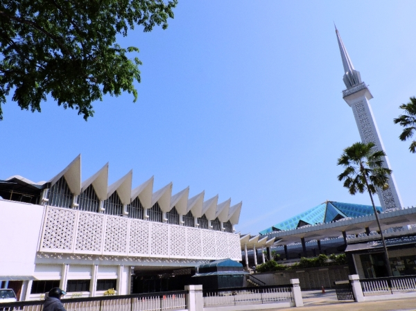 9. national mosque