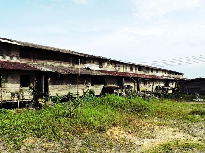 abandoned-iban-house