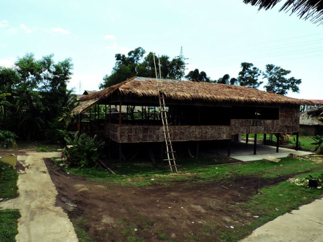 traditional-house-replica-2