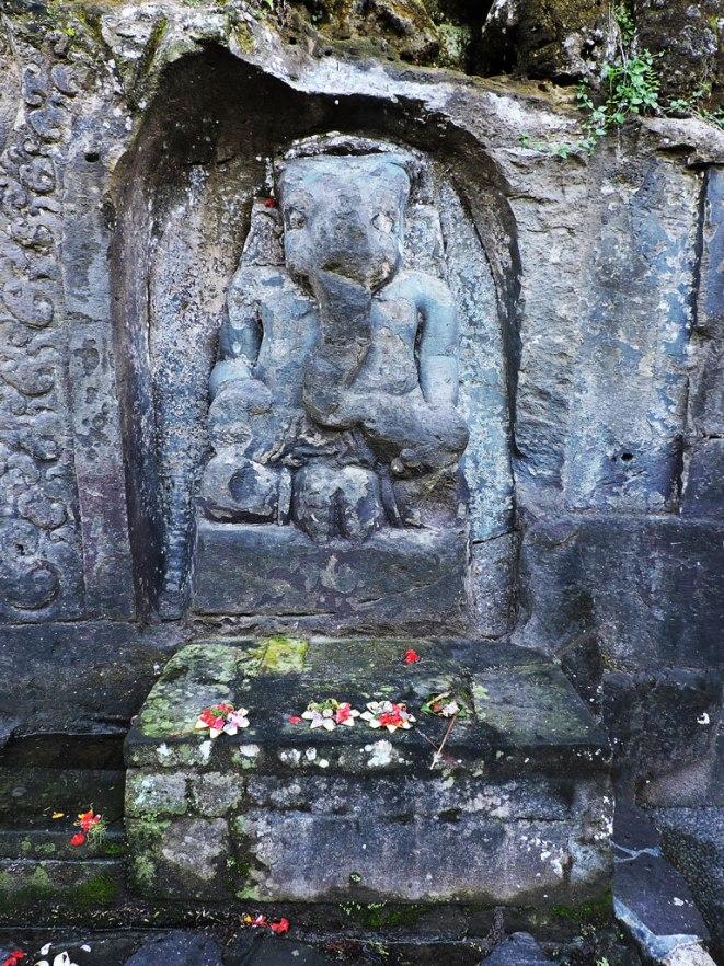 Bog-Ganesh-ot-Yeh-Pulu