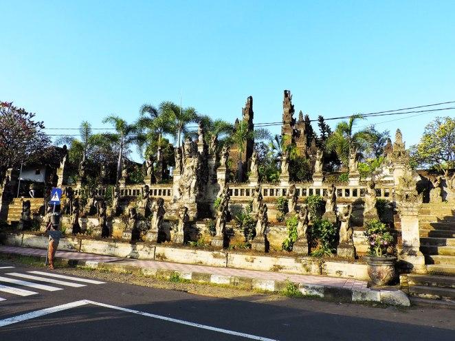 hram-Singaraja-(Pura-Meduwe-Karang)