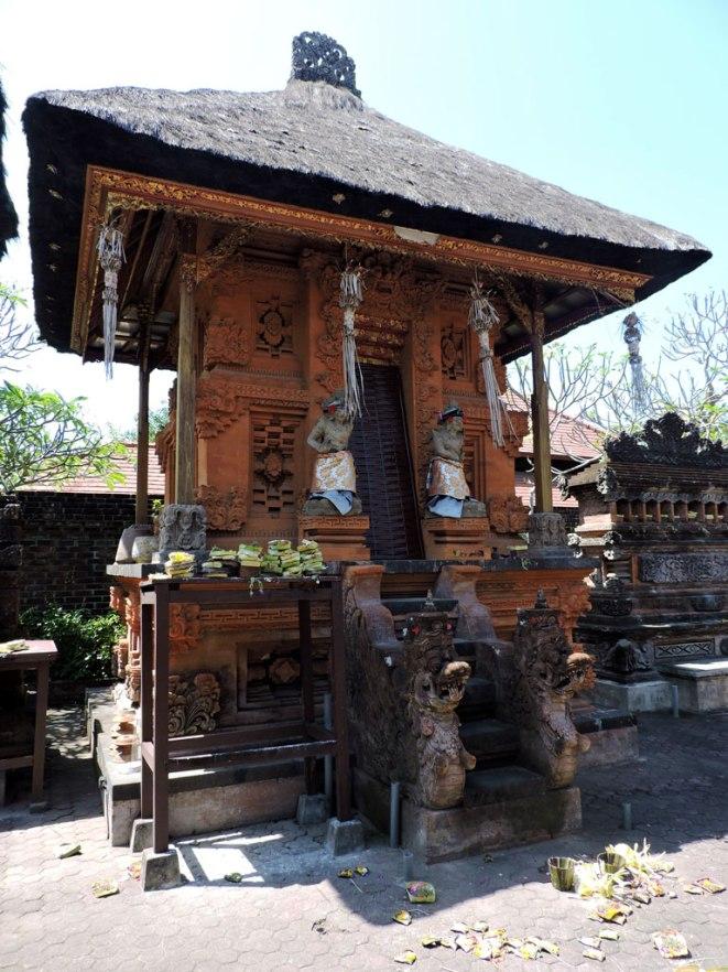 hramche-v-denpasar